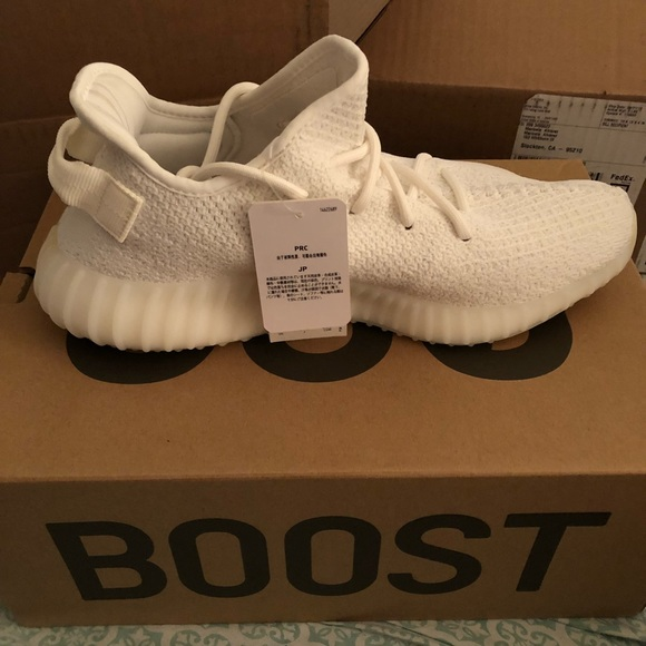 purchase cheap ea4ad ac95d Triple white yeezy boost 350 size 9.5 9 1/2 NWT